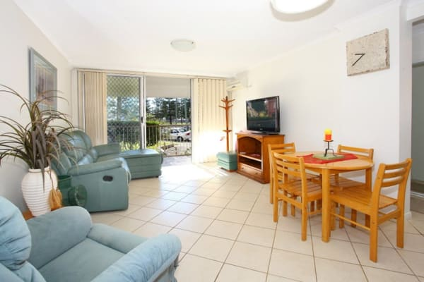 $370, Whole-property, 2 bathrooms, Chelsea Avenue, Broadbeach QLD 4218