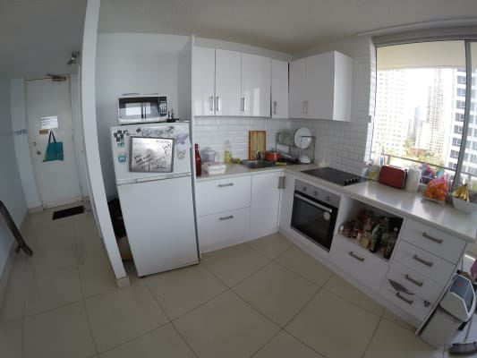 $300, Flatshare, 3 bathrooms, Esplanade, Surfers Paradise QLD 4217