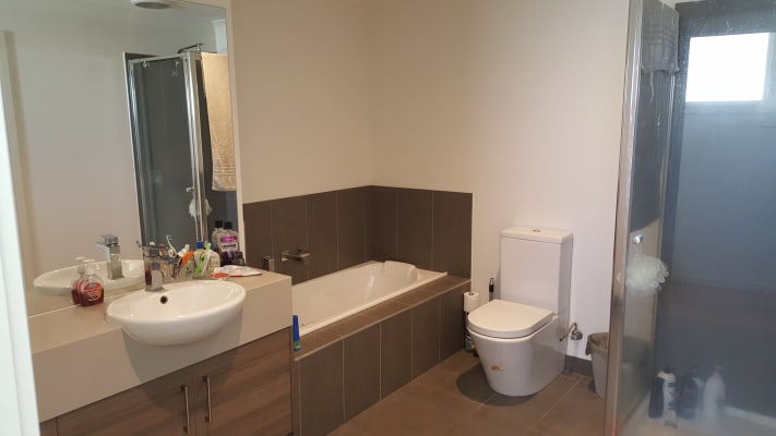 $180, Share-house, 4 bathrooms, Youngman, Preston VIC 3072