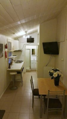 $195, Studio, 1 bathroom, Grey Street, Saint Kilda VIC 3182