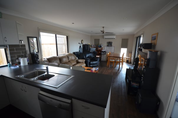$165, Share-house, 4 bathrooms, Fernbrooke Boulevard, Redbank Plains QLD 4301