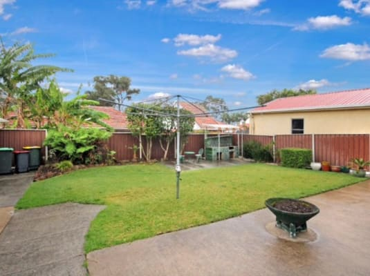 $250-300, Share-house, 2 rooms, Ponyara Road, Beverly Hills NSW 2209, Ponyara Road, Beverly Hills NSW 2209