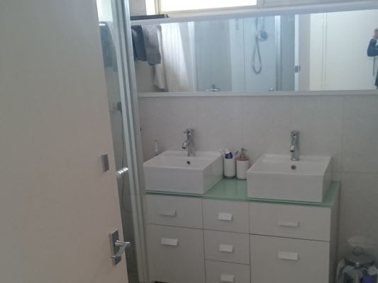 $190, Flatshare, 3 bathrooms, Tennyson Street, Elwood VIC 3184