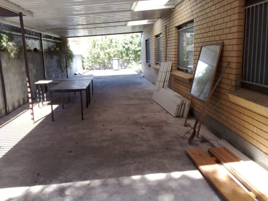 $180, Granny-flat, 2 bathrooms, Creek Rd, Carina QLD 4152