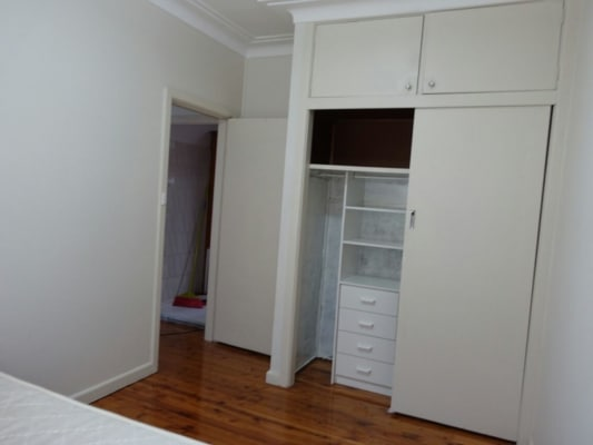 $200, Granny-flat, 2 bathrooms, Elizebeth Street, Campsie NSW 2194