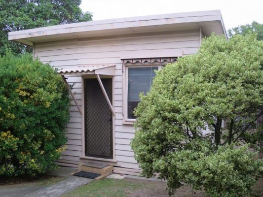 $150, Granny-flat, 1 bathroom, Hartwood Street, Kew East VIC 3102
