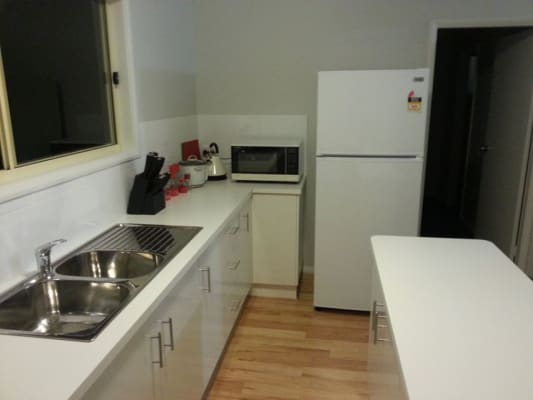 $180, Granny-flat, 3 bathrooms, Kimian Ave, Waratah West NSW 2298