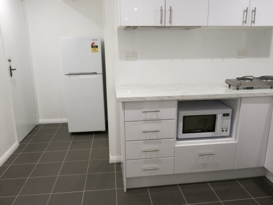 $430, Granny-flat, 1 bathroom, Parni Place, Frenchs Forest NSW 2086