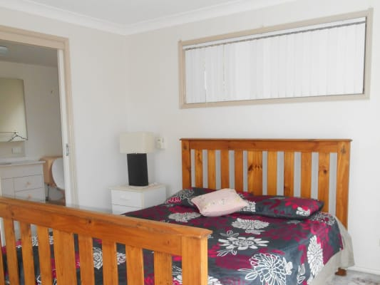 $240, Granny-flat, 3 bathrooms, Sunningdale Circuit, Robina QLD 4226