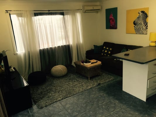 $350, Granny-flat, 2 bathrooms, T E Peters Drive, Broadbeach Waters QLD 4218