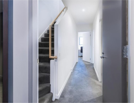 $310, Flatshare, 3 bathrooms, Queens Road, Melbourne VIC 3004