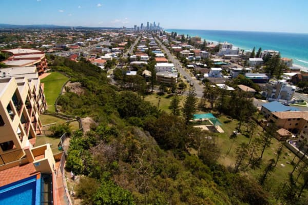 $300, Flatshare, 3 bathrooms, Great Hall Drive, Miami QLD 4220