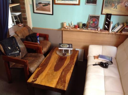 $330, Studio, 1 bathroom, Stuart Street, Manly NSW 2095