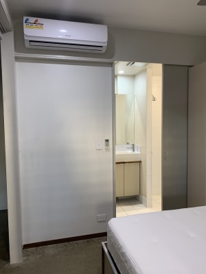 $360, 1-bed, 1 bathroom, Vulture Street, Kangaroo Point QLD 4169