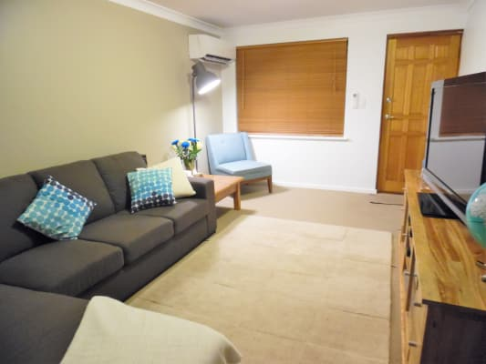 $330, Whole-property, 2 bathrooms, Kelvin Street, Maylands WA 6051