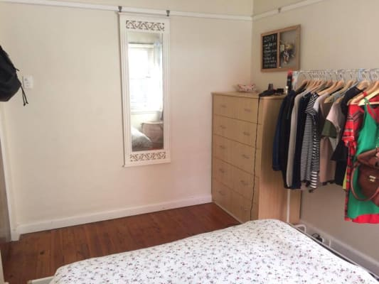 $310, Flatshare, 2 bathrooms, Merlin Street, Neutral Bay NSW 2089