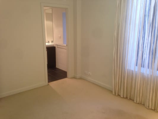 $160, Flatshare, 2 bathrooms, Foster Street, Surry Hills NSW 2010