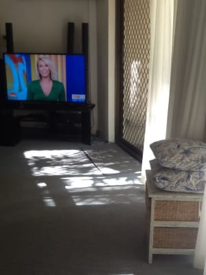 $250, Flatshare, 2 bathrooms, Old Burleigh Road, Broadbeach QLD 4218
