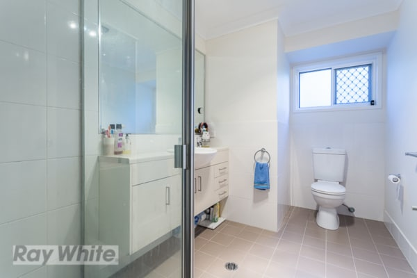 $230, Flatshare, 3 bathrooms, Vine Street, Greenslopes QLD 4120