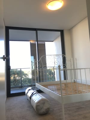 $300, Flatshare, 2 bathrooms, Arncliffe Street, Wolli Creek NSW 2205