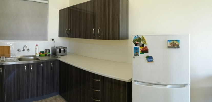 $350, 1-bed, 1 bathroom, Baroona Road, Paddington QLD 4064