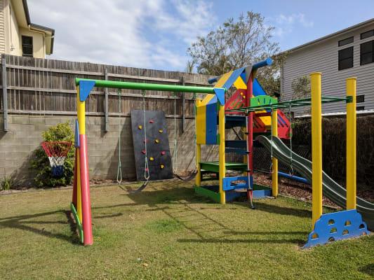 $350, Whole-property, 3 bathrooms, Bundah Street, Camp Hill QLD 4152