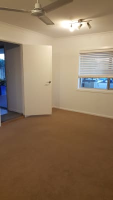 $210, Share-house, 3 bathrooms, Nobby Parade, Miami QLD 4220