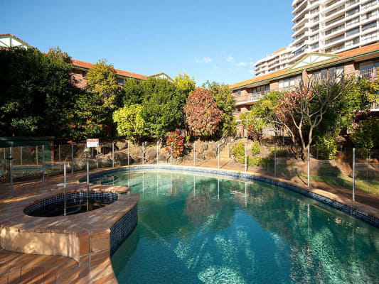 $270, Flatshare, 2 bathrooms, Commodore Drive, Surfers Paradise QLD 4217