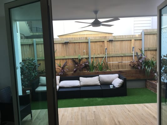 $300, Share-house, 3 bathrooms, Surf Street, Mermaid Beach QLD 4218