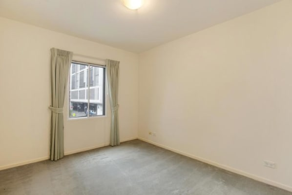 $310, Flatshare, 2 bathrooms, Riverside Quay, Southbank VIC 3006