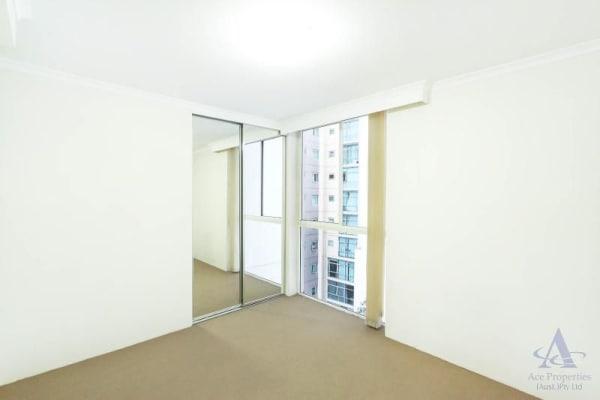$250, Flatshare, 3 bathrooms, George Street, Sydney NSW 2000