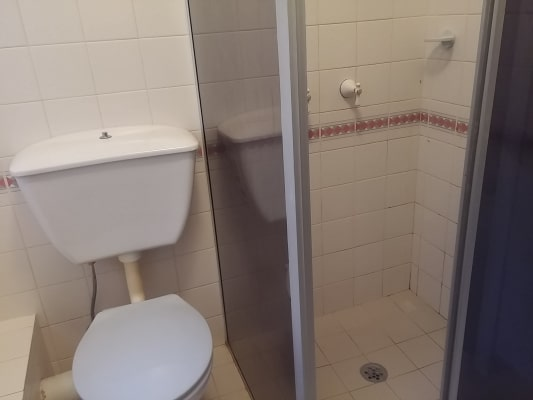 $250, Flatshare, 3 bathrooms, The Crescent, Homebush NSW 2140