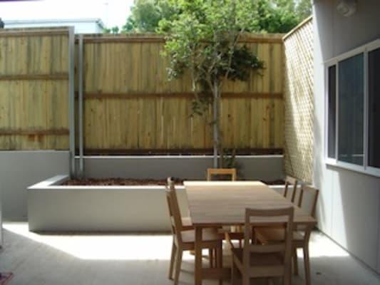 $345, Studio, 1 bathroom, Abingdon Street, Woolloongabba QLD 4102