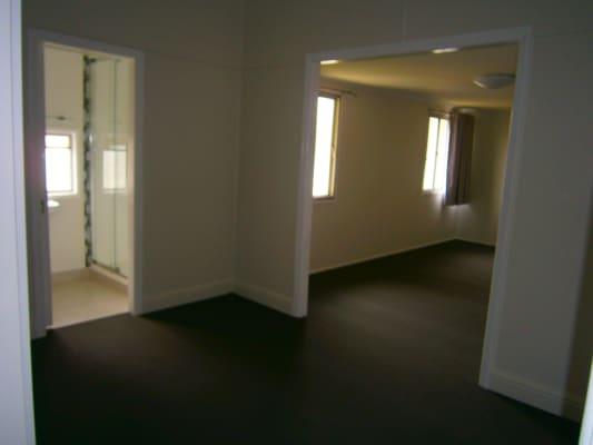 $200, Share-house, 3 bathrooms, Charles Street, Berserker QLD 4701