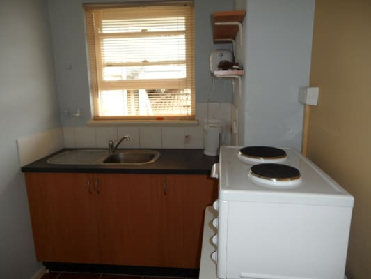 $360, Studio, 1 bathroom, Dalgety Street, Saint Kilda VIC 3182
