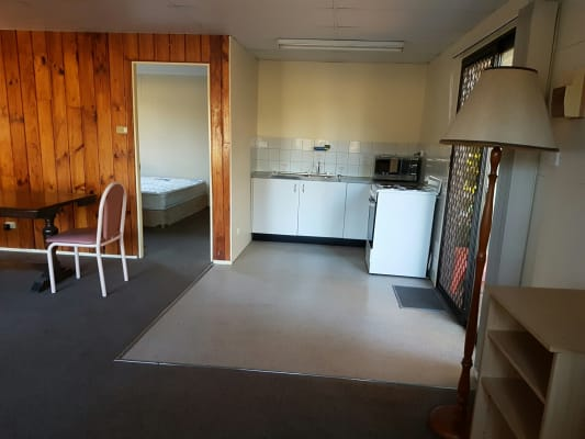 $290, Granny-flat, 1 bathroom, Fourth Avenue, Llandilo NSW 2747