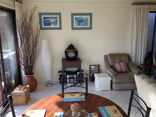 $350, Share-house, 4 bathrooms, Stuart Street, Manly NSW 2095