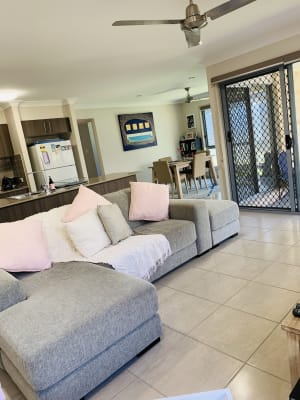 $185, Share-house, 4 bathrooms, Steamer Way, Spring Mountain QLD 4124