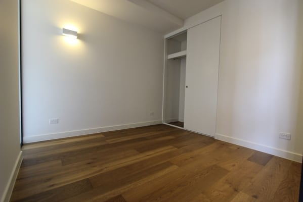 $250, Flatshare, 2 bathrooms, Pelham Street, Carlton VIC 3053