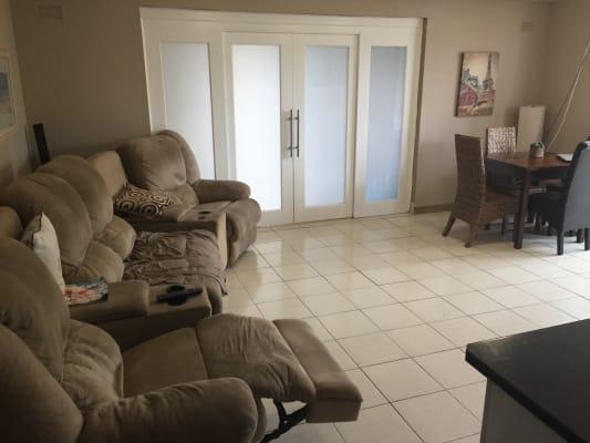 $150, Flatshare, 3 bathrooms, Shortland Esplanade, Newcastle East NSW 2300