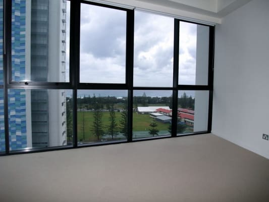 $238, Flatshare, 2 bathrooms, Surf Parade, Broadbeach QLD 4218