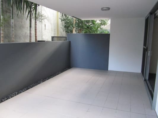 $400, 1-bed, 1 bathroom, Donkin Street, West End QLD 4101