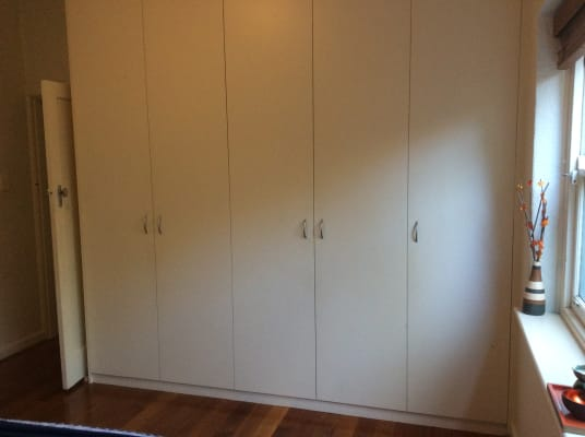 $330, Flatshare, 2 bathrooms, Lewisham Road, Windsor VIC 3181