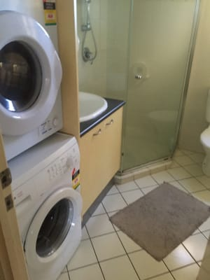 $145, Flatshare, 2 bathrooms, Upper Edward Street, Spring Hill QLD 4000