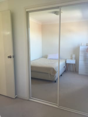 $220, Share-house, 3 bathrooms, York Street, Point Frederick NSW 2250
