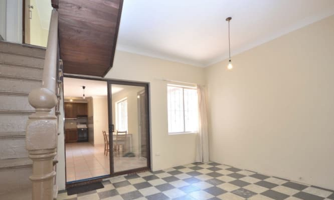 $155, Share-house, 4 bathrooms, Bourke Street, Surry Hills NSW 2010