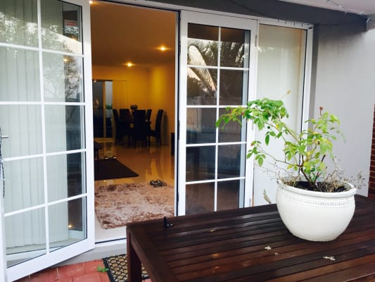 $180, Share-house, 3 bathrooms, Leigh Street, Burswood WA 6100