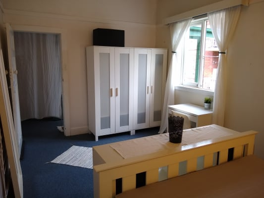 $350, Flatshare, 3 bathrooms, Abbott Street, Coogee NSW 2034