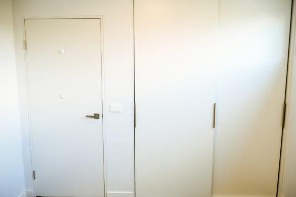 $250, Flatshare, 2 bathrooms, Ivanhoe Parade, Ivanhoe VIC 3079