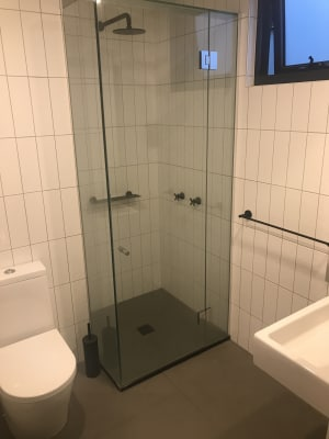 $285, Flatshare, 2 bathrooms, Breese Street, Brunswick VIC 3056